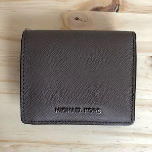Michael Kors Saffiano Carryall Wallet